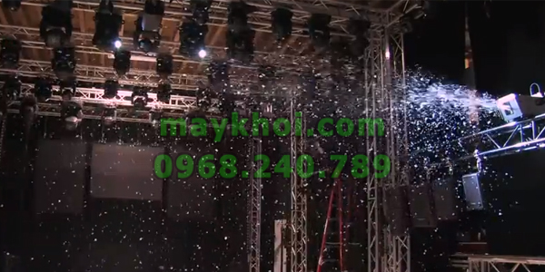 Máy phun tuyết sm-600, máy phun tuyết sân khấu